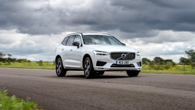 Article thumbnail: Volvo XC60 B4