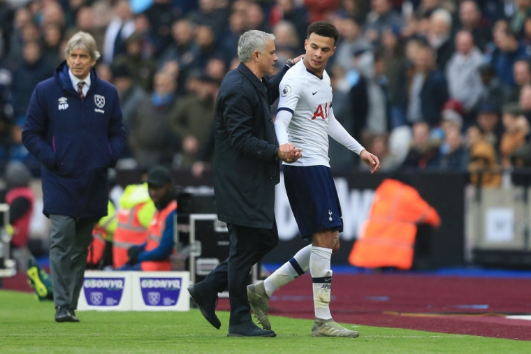 Jose Mourinho, Manager of Tottenham Hotspur embraces Dele Alli against West Ham United on 23 November 2019 (Getty Images)