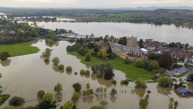 Flooding near Tewkesbury Abbey, Gloucestershire (Photo: Steve Parsons/PA Wir