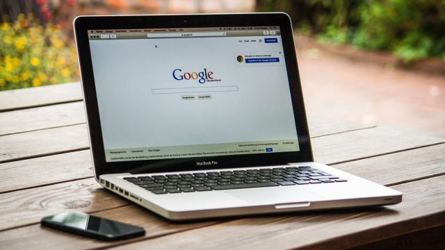 Google is cracking down on false claims in political advertising (Photo: Pexels)