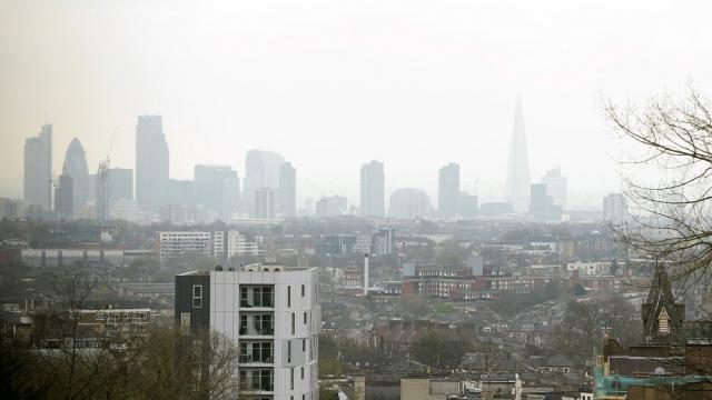 The London skyline as seen through a layer of smog (Photo: Yui Mok/PA)