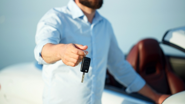 Article thumbnail: selling used car