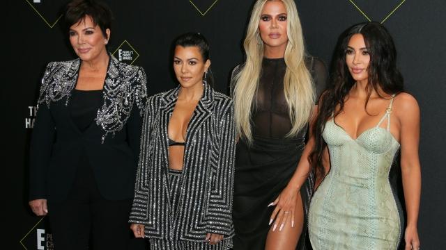 (L-R) Business women/media personality Kris Jenner, Kourtney Kardashian, Khloé Kardashian and Kim Kardashian arrive for the 45th annual E! People's Choice Awards at Barker Hangar in Santa Monica, California, on November 10, 2019. (Photo by Jean-Baptiste Lacroix / AFP) (Photo by JEAN-BAPTISTE LACROIX/AFP via Getty Images)