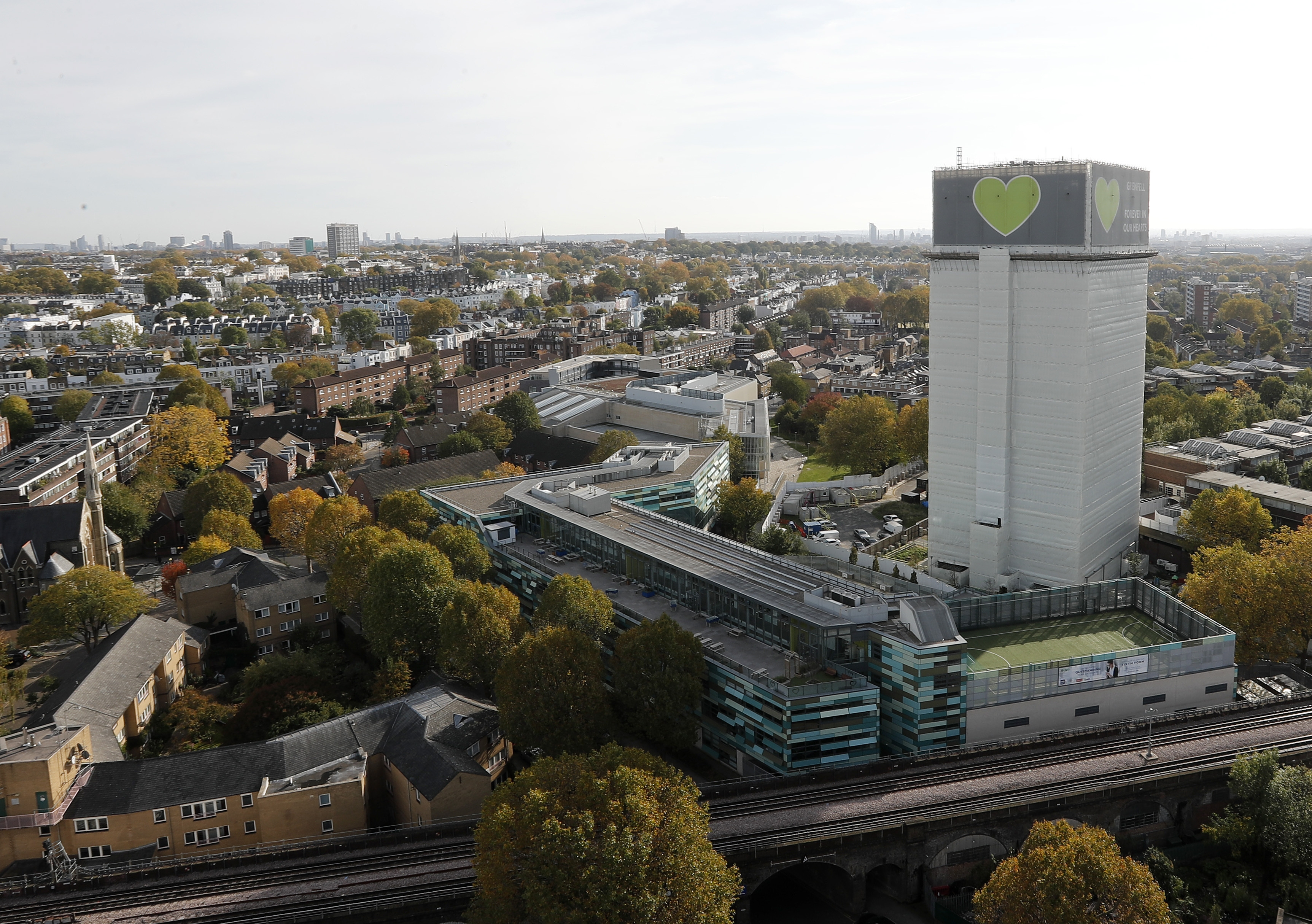 Grenfell Tower inquiry member quits over 'links to cladding firm'
