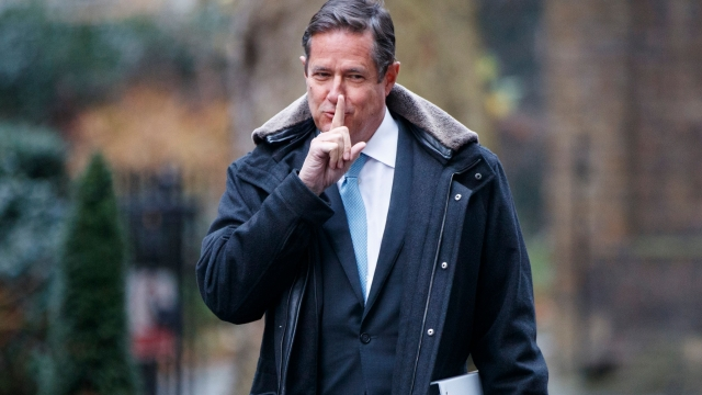Article thumbnail: Barclays boss Jes Staley visited Jeffrey Esptein at his New York Mansion and US Virgin Islands retreat. (Photo: by Tolga Akmen/AFP)