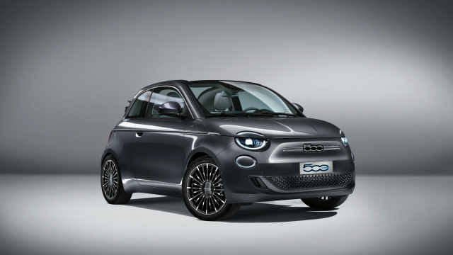 Article thumbnail: New Fiat 500 electric