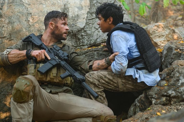Extraction Ending Explained What The Ambiguous Finale Of Chris Hemsworth S Netflix Movie Means