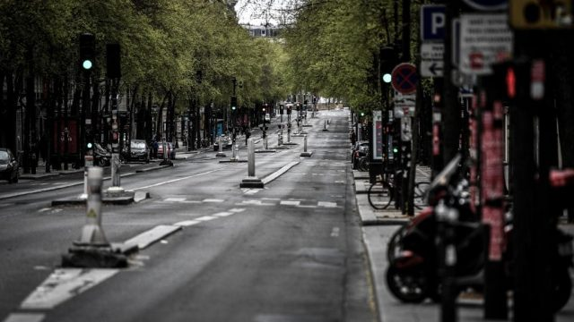 Article thumbnail: Planting trees on streets surrounded by buildings can actually push up air pollution