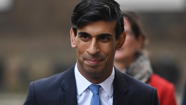 Chancellor Rishi Sunak is under pressure to impose climate conditions on airlines in exchange for government support