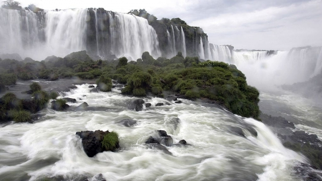 Article thumbnail: Where in the world: Partial view of the Devil's Throat, Brazil