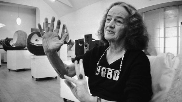 Article thumbnail: Sculptor Dame Barbara Hepworth with some of her work (Photo: Potter/Daily Express/Hulton Archive/Getty)